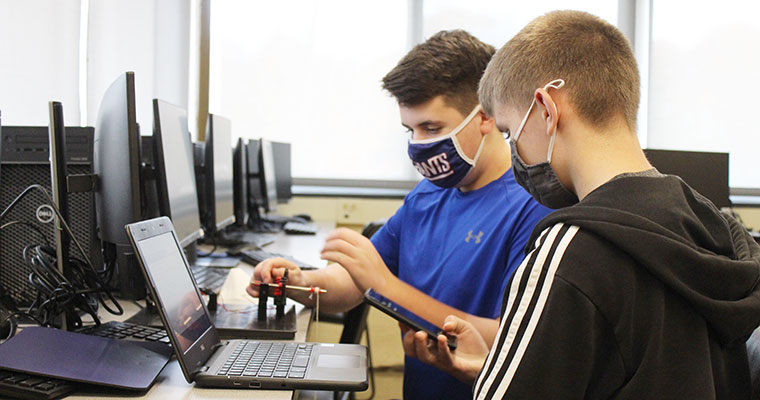Students calculate efficiency of a winch