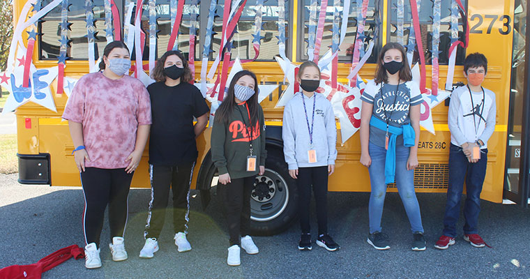 Students decorate bus
