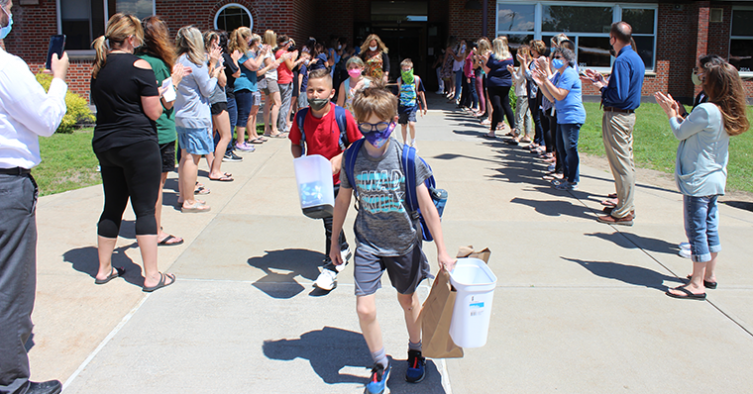 Students leave school on last day